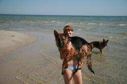 Jill mit Joyz am Strand in Dänemark Sommer 2007